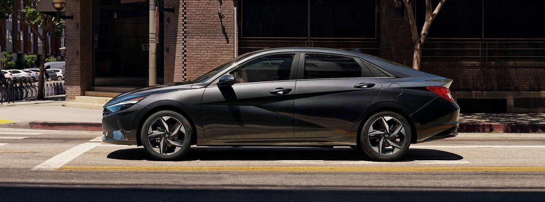 2021 Hyundai Elantra vs 2021 MAZDA3 Sedan near Washington, DC