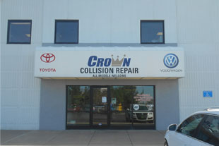 Crown Toyota Lawrence >> Automotive Body Shop Collision Paint Repair - Crown Toyota of Lawrence