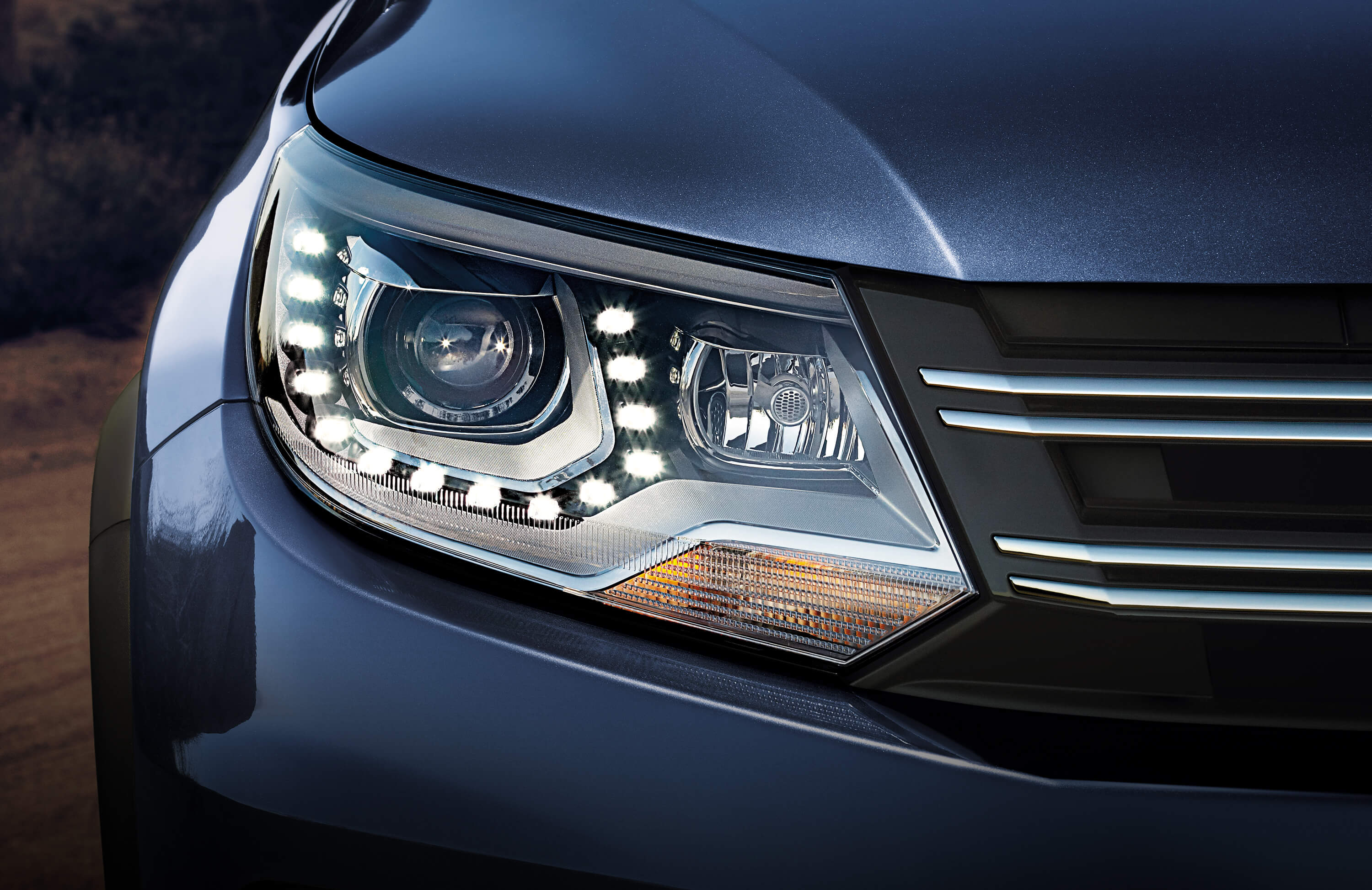 2016 Tiguan Front Bi-Xenon Headlights and LED Daytime Running Lights