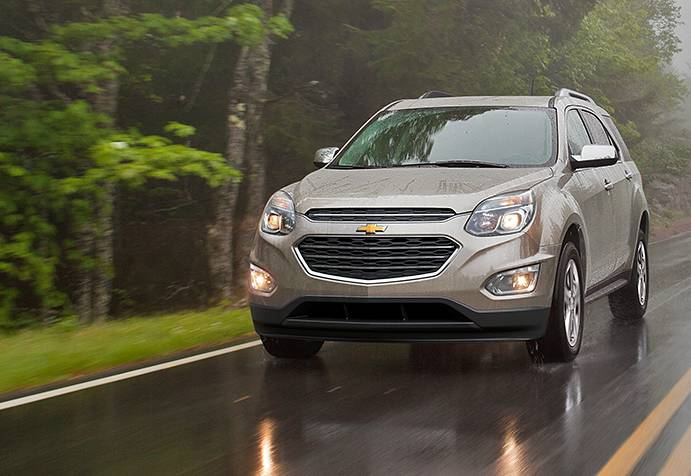 2016 Chevrolet Equinox vs 2016 Toyota RAV4 near Arlington, VA