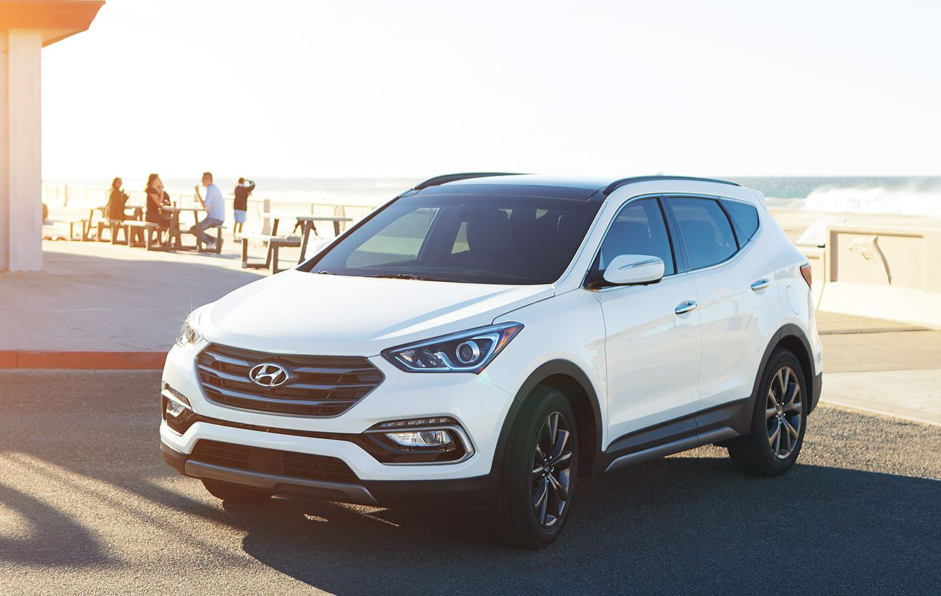 2017 Hyundai Santa Fe Sport vs 2017 Ford Escape in Fredericksburg, VA