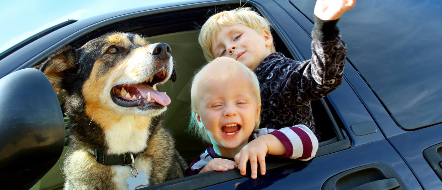 happy-kids-and-dog