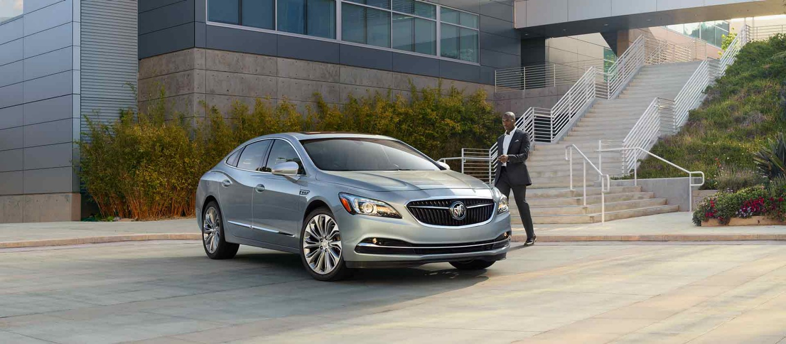 2017 buick lacrosse for sale near youngstown oh sweeney chevy buick gmc. Black Bedroom Furniture Sets. Home Design Ideas