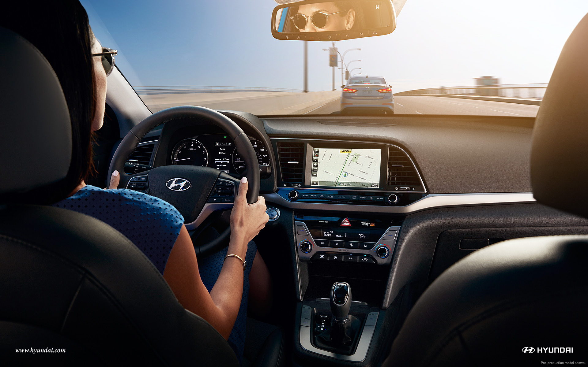 The Well-Equipped 2017 Elantra GT Keeps You Connected!