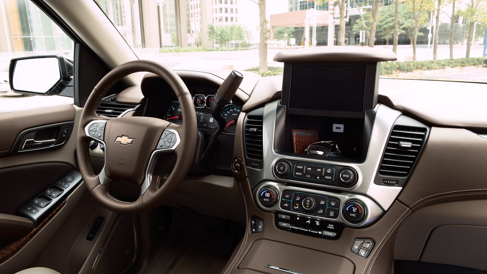 The Well-Equipped Interior of the 2017 Suburban is Stylish!