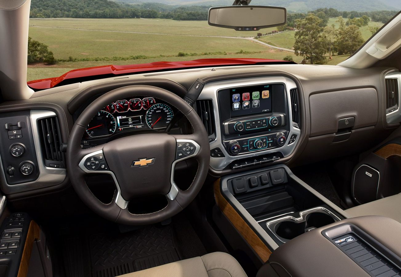 The Well-Equipped Dash of the Silverado 1500 will Wow You!
