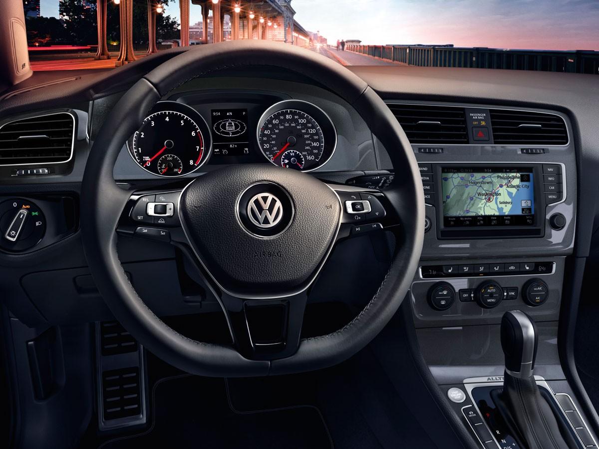 2017 VW Golf Alltrack Composition Media Touchscreen
