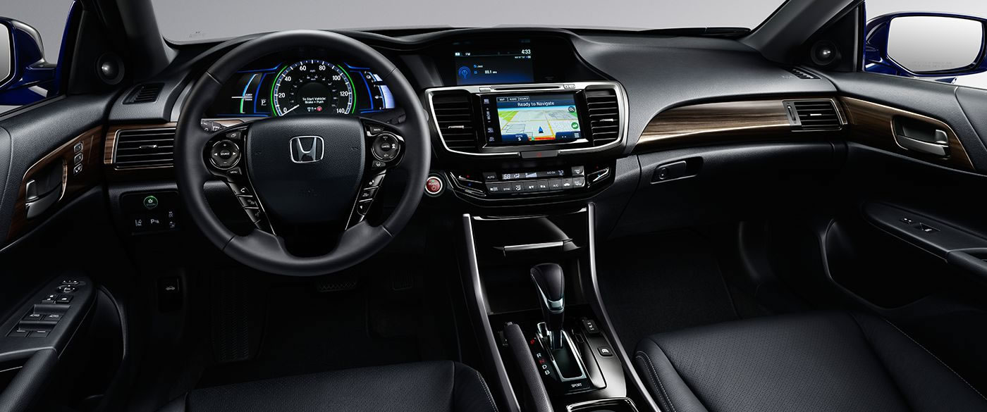 The 2017 Accord Hybrid Touring Has a Wide Array of Tech to Enjoy!