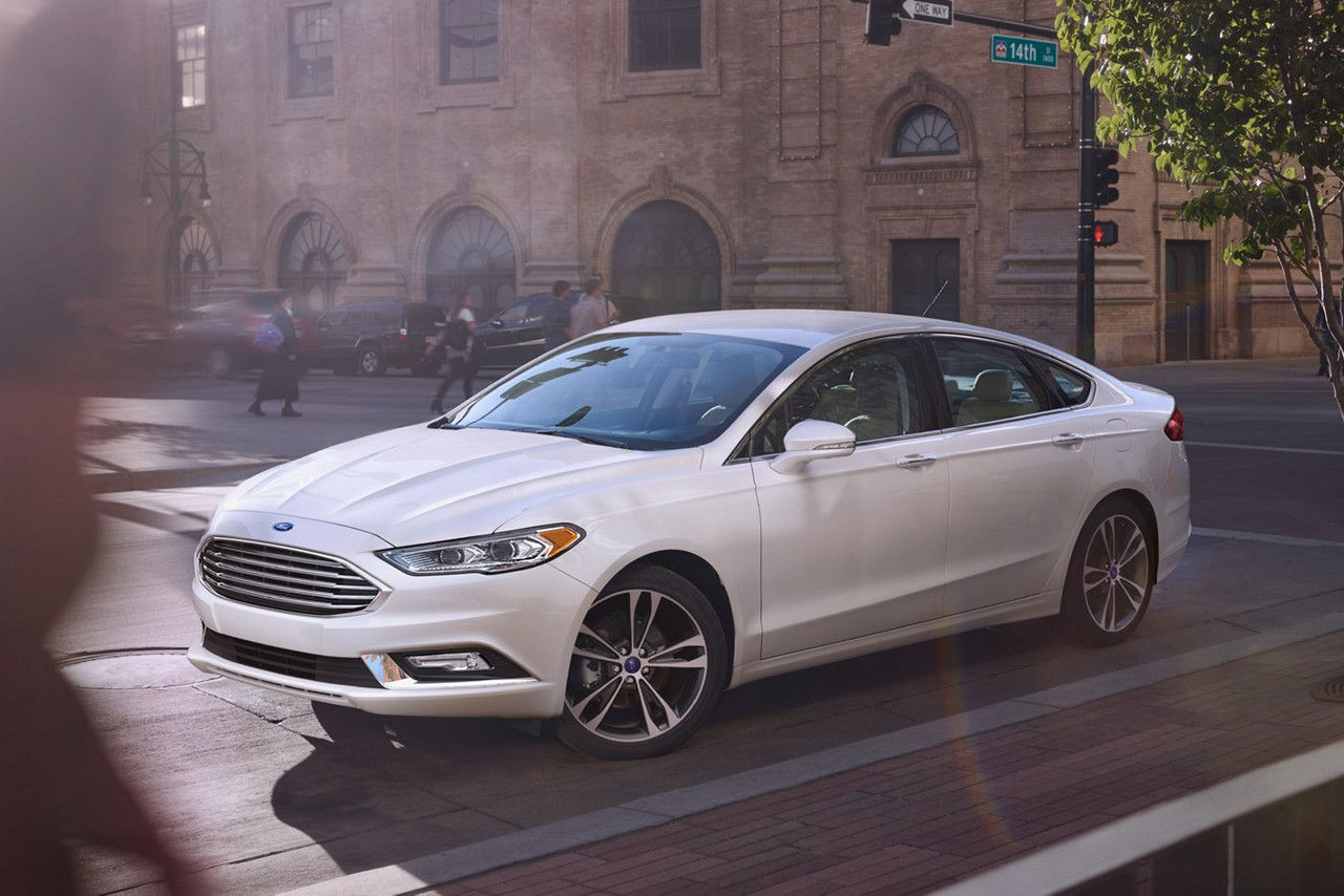 2017 Ford Fusion vs 2017 Toyota Camry in Garland, TX