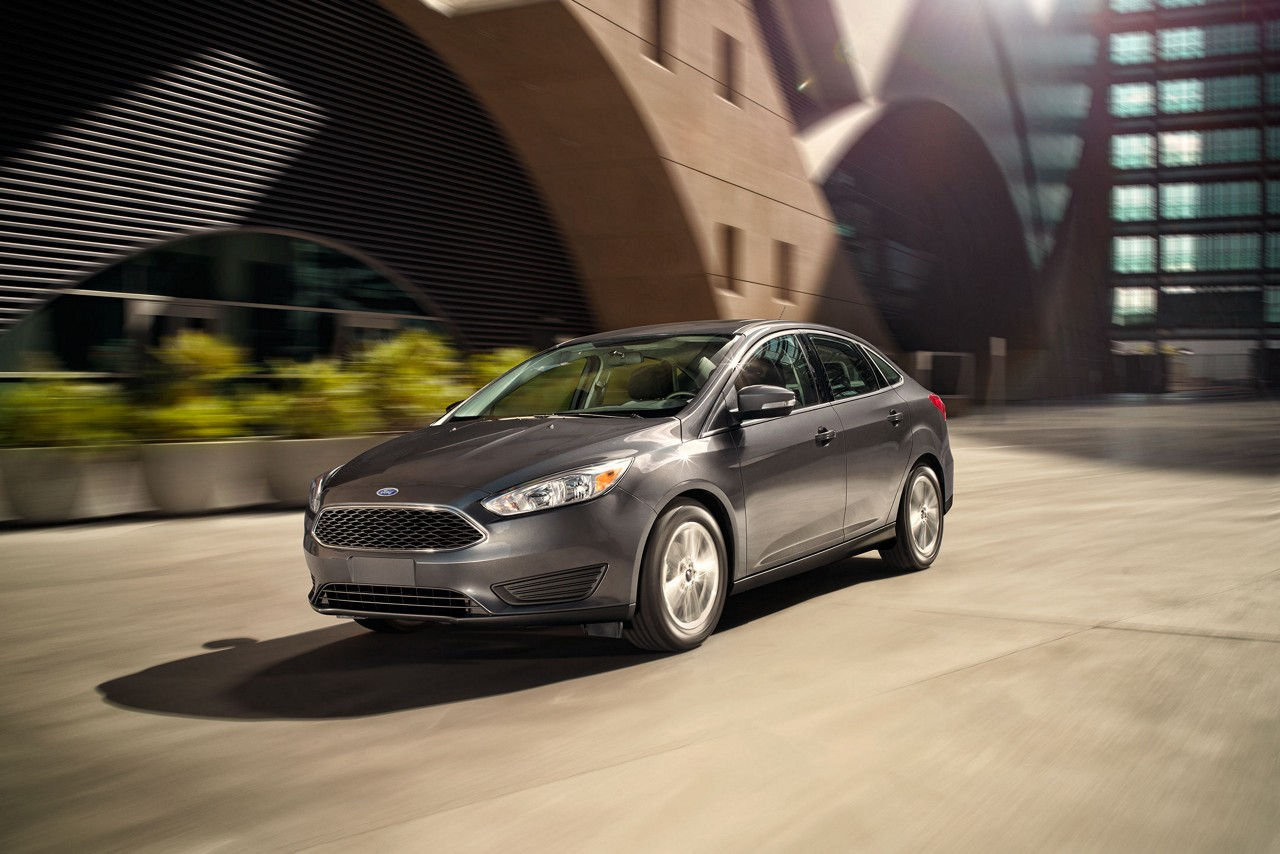 2017 Ford Focus vs 2017 Chevrolet Cruze in Garland, TX