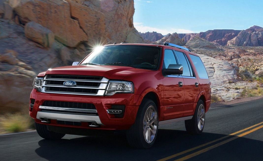 2017 Ford Expedition vs 2017 Toyota Sequoia in Garland, TX