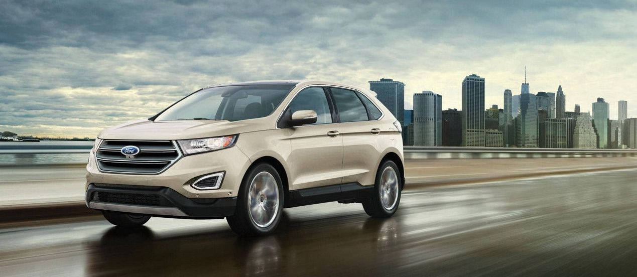 2017 Ford Edge vs 2017 Hyundai Santa Fe Sport in Garland, TX