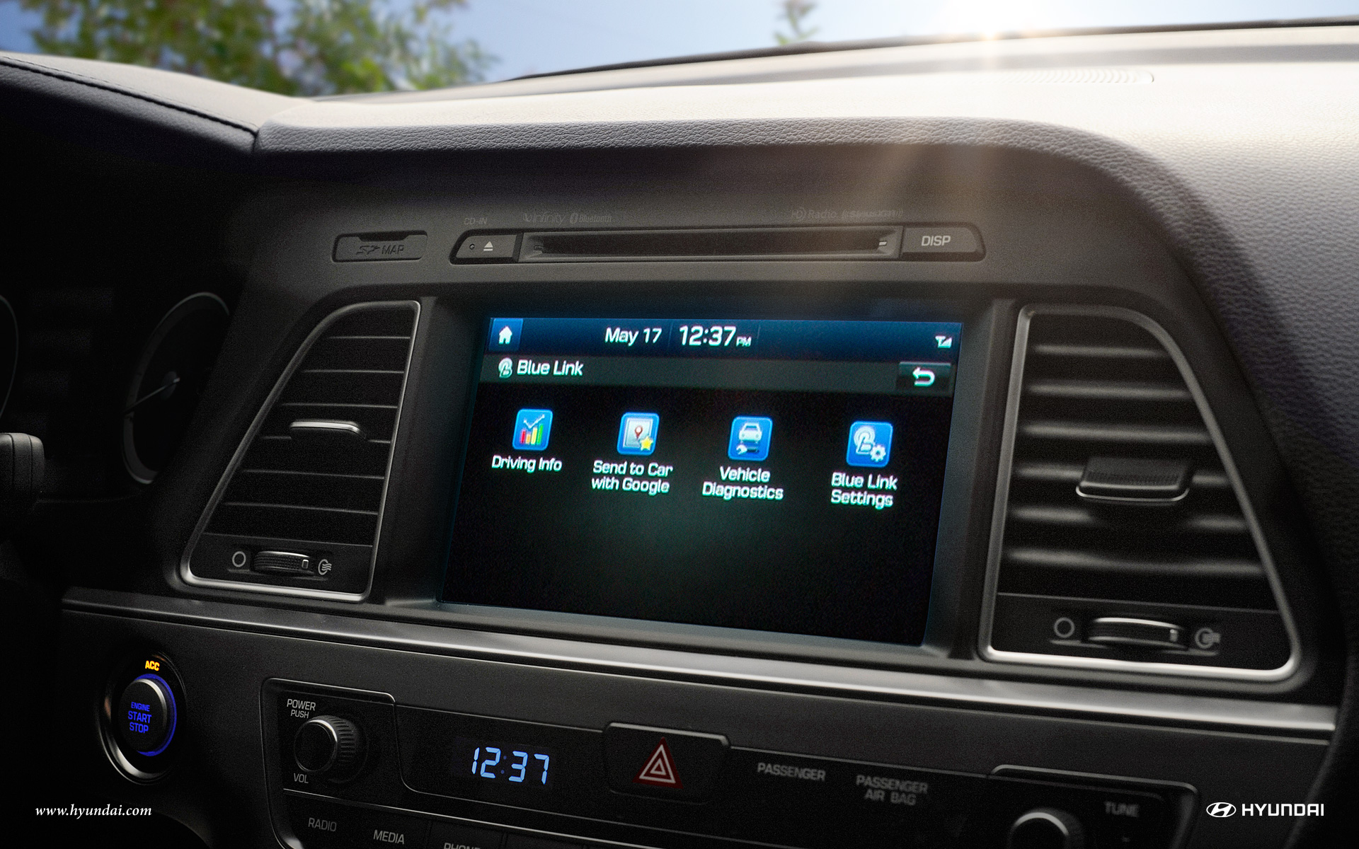 The Available 8-inch Touchscreen on the 2017 Sonata