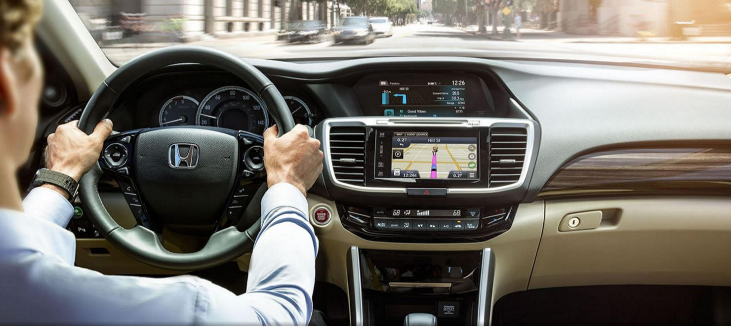 Honda Satellite-Linked Navigation System™ in the Honda Accord