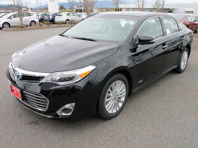 2015 Toyota Avalon Hybrid for Sale near Snohomish at Foothills Toyota