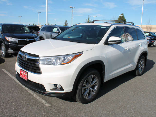 2015 Toyota Highlander for Sale near Snohomish at Foothills Toyota