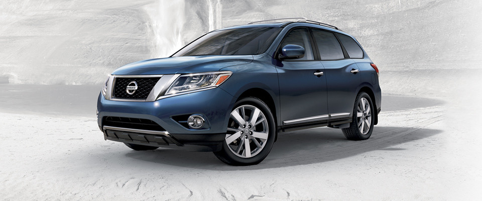 2015 nissan pathfinder for sale in milwaukee wi russ darrow nissan of milwaukee. Black Bedroom Furniture Sets. Home Design Ideas