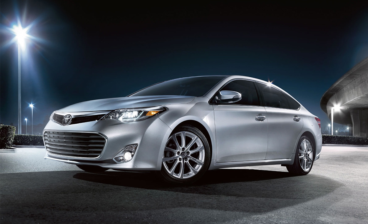 2015 Toyota Avalon Hybrid near Puyallup at Toyota of Tacoma