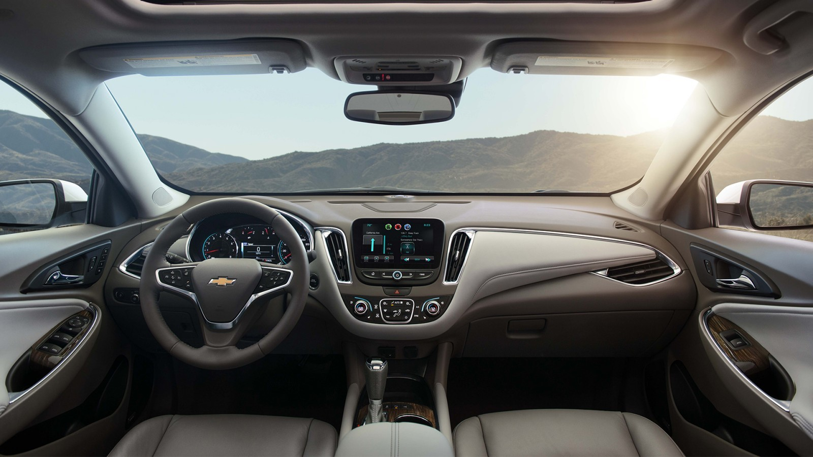 Interior of the 2016 Chevy Malibu