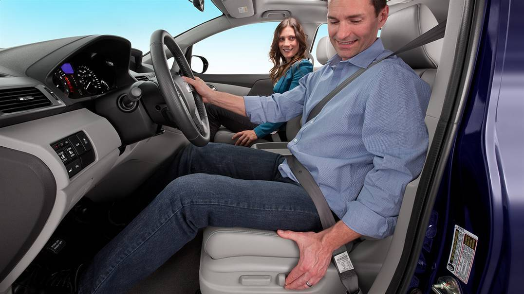Power Adjustable Seats on the 2016 Honda Odyssey