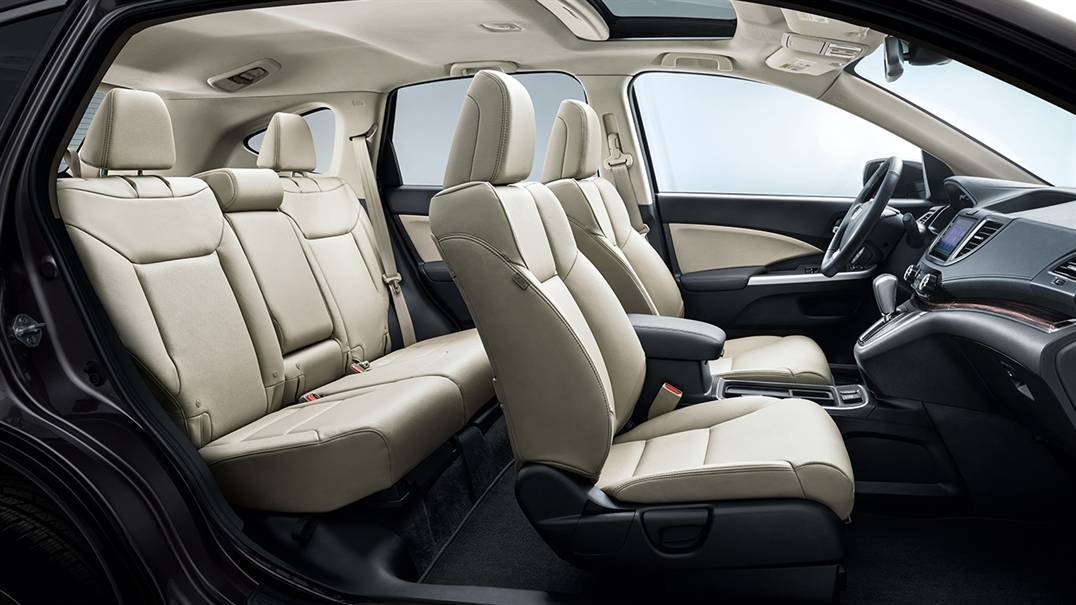 Interior of the 2016 Honda CR-V
