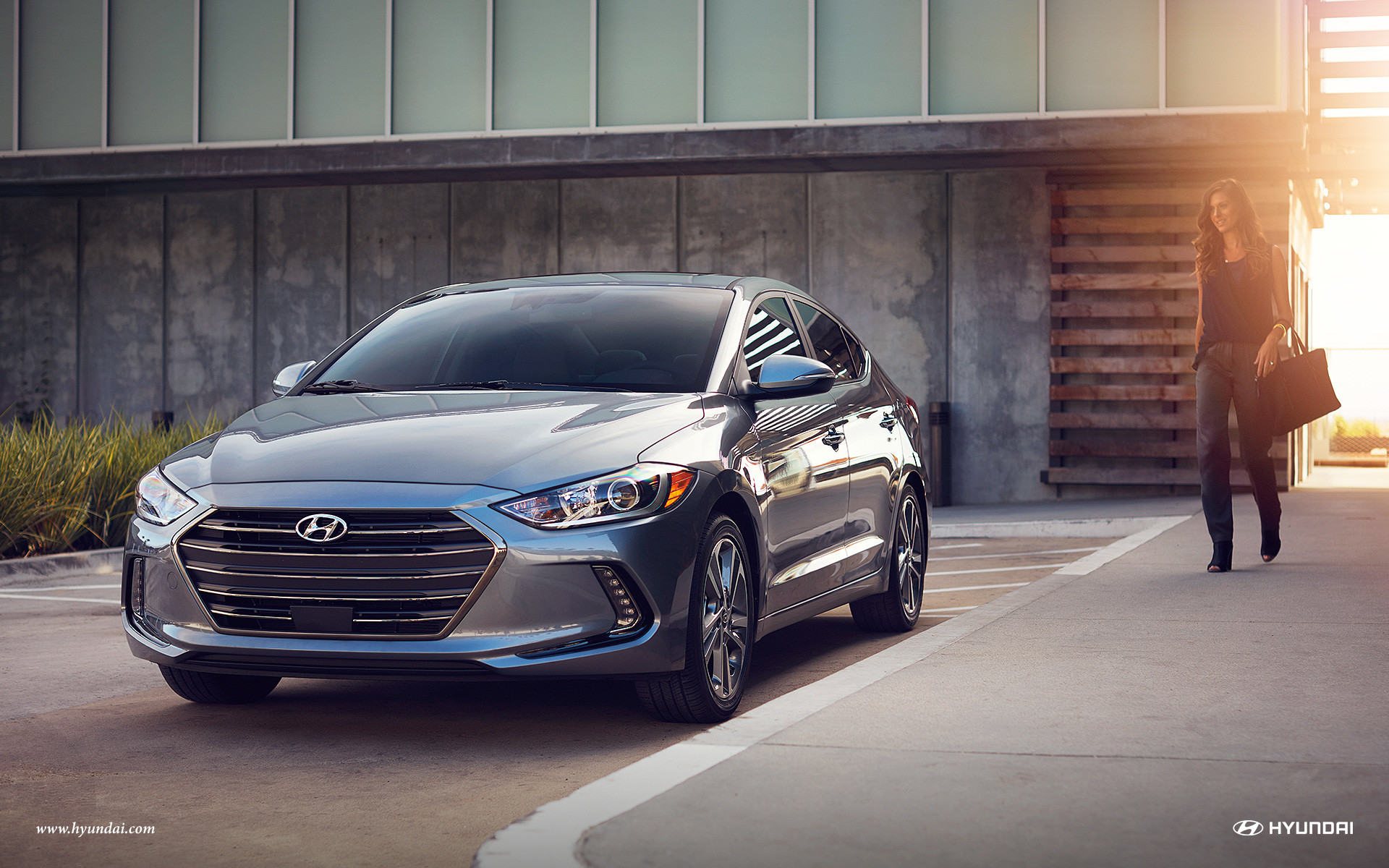2016 Hyundai Elantra vs 2016 Dodge Dart near Fairfax, VA