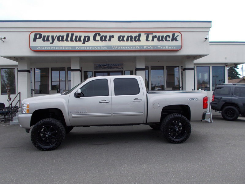pre owned chevy silverado for sale in puyallup puyallup car and truck. Black Bedroom Furniture Sets. Home Design Ideas