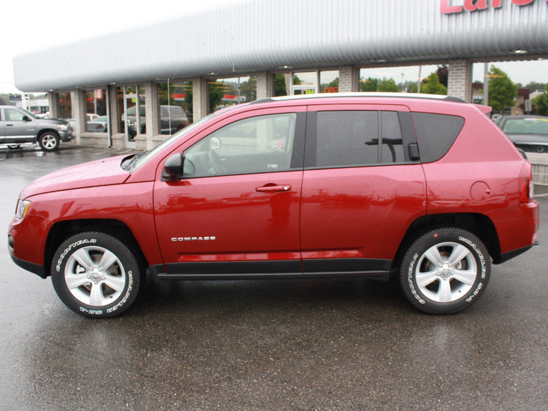 2014 jeep compass for sale near olympia larson dodge. Black Bedroom Furniture Sets. Home Design Ideas