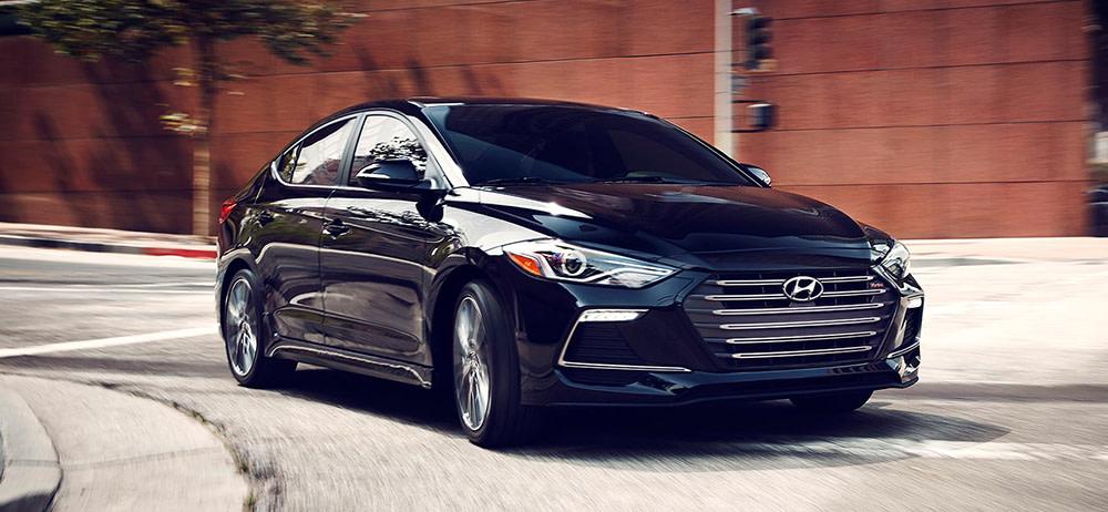 Sonata Vs Elantra >> 2018 Hyundai Sonata Vs 2018 Hyundai Elantra Compare Specs
