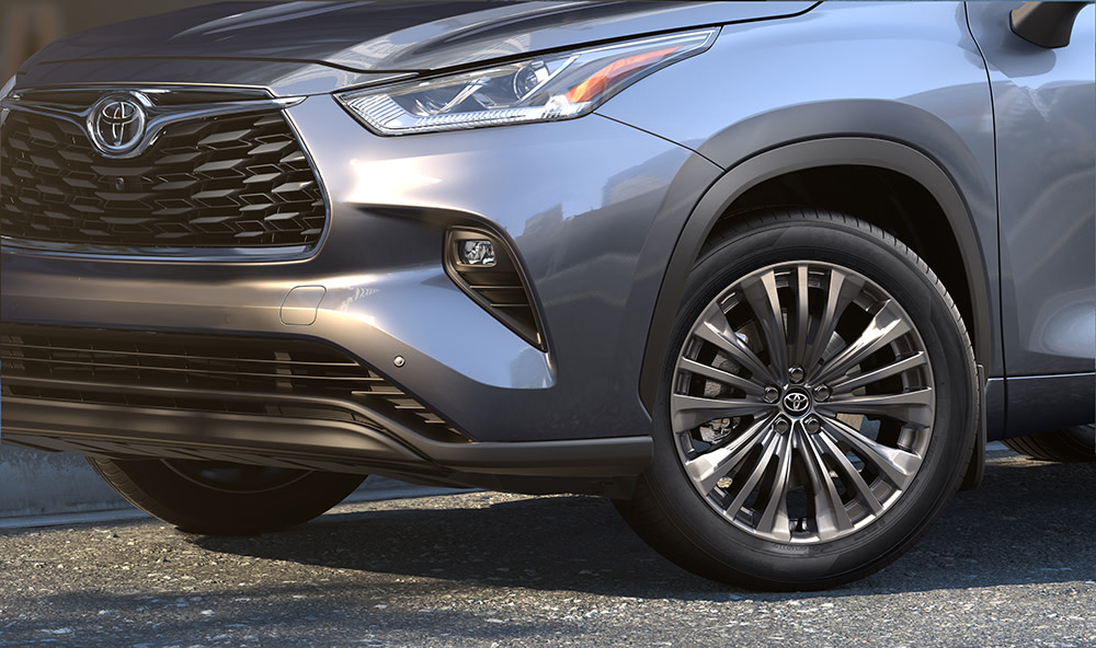 Comparison of the 2020 Toyota Highlander vs. the 2020 Honda Pilot at Tri County Toyota of Royersford | Close-Up Shot of the Tire on a 2020 Toyota Highlander