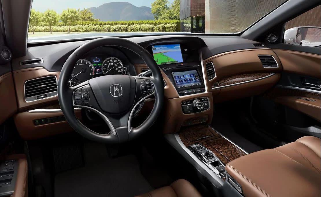 Acura RLX P-AWS® con interior de color Espresso