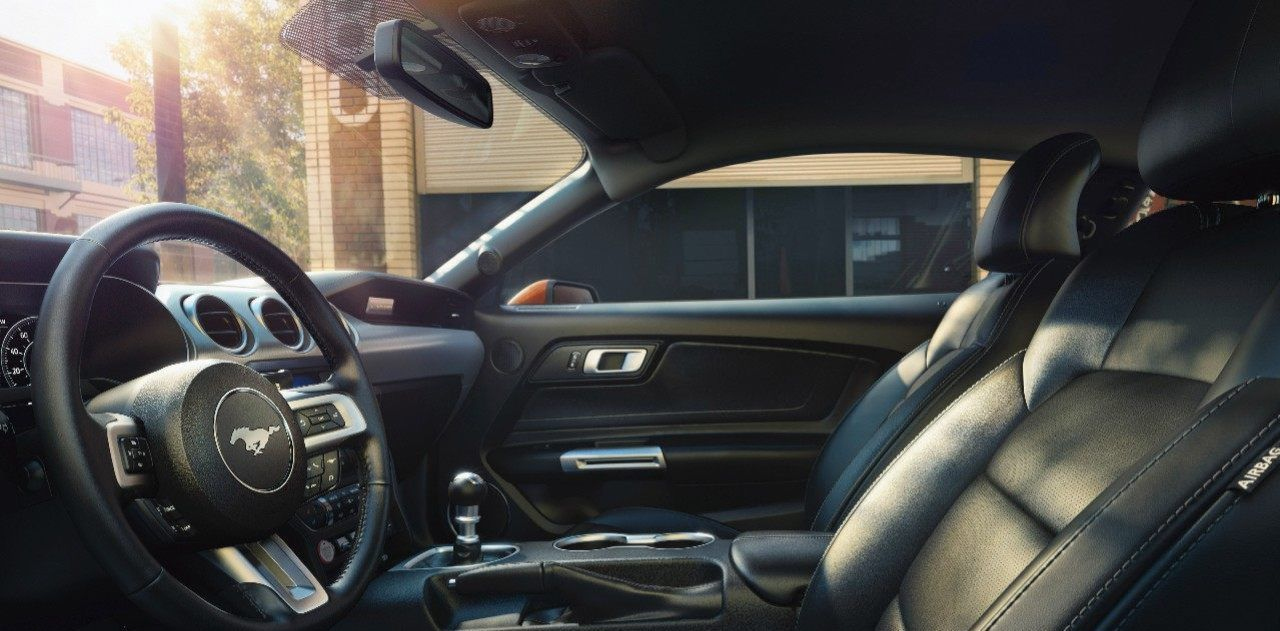 2018 Ford Mustang Interior in Ebony