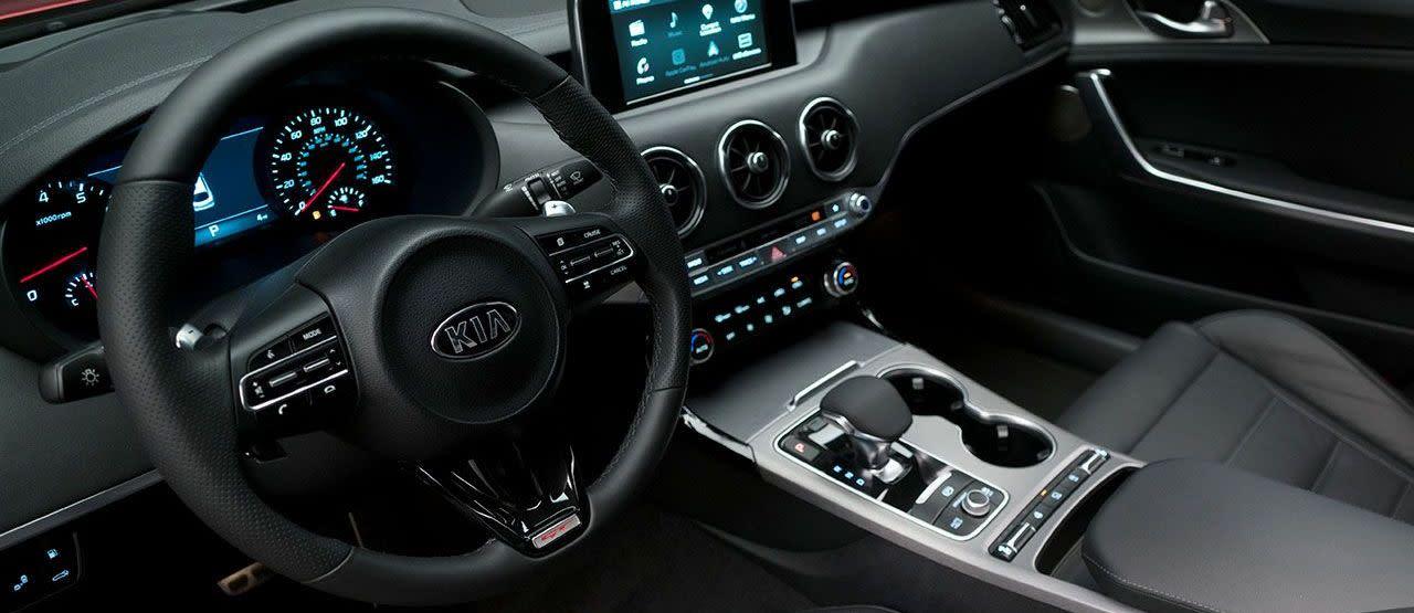 Tech-Loaded Interior of the 2018 Kia Stinger
