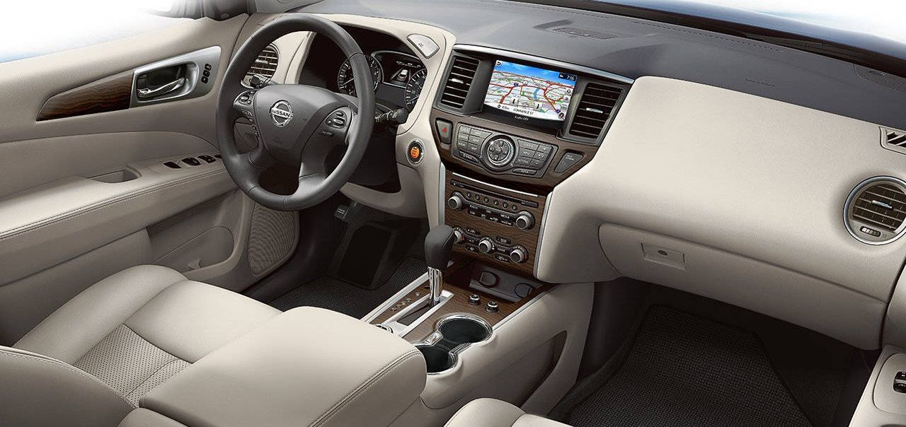 2017 Pathfinder with Steering Wheel-mounted Controls