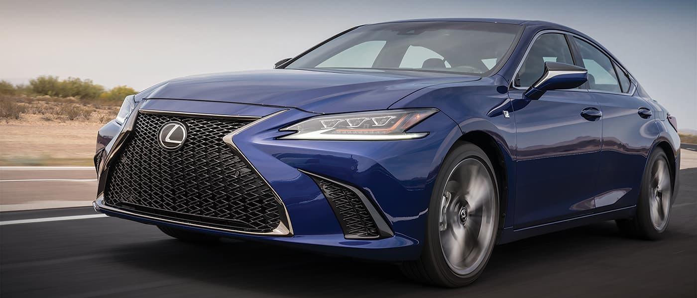 2019 Lexus ES 350 side shot