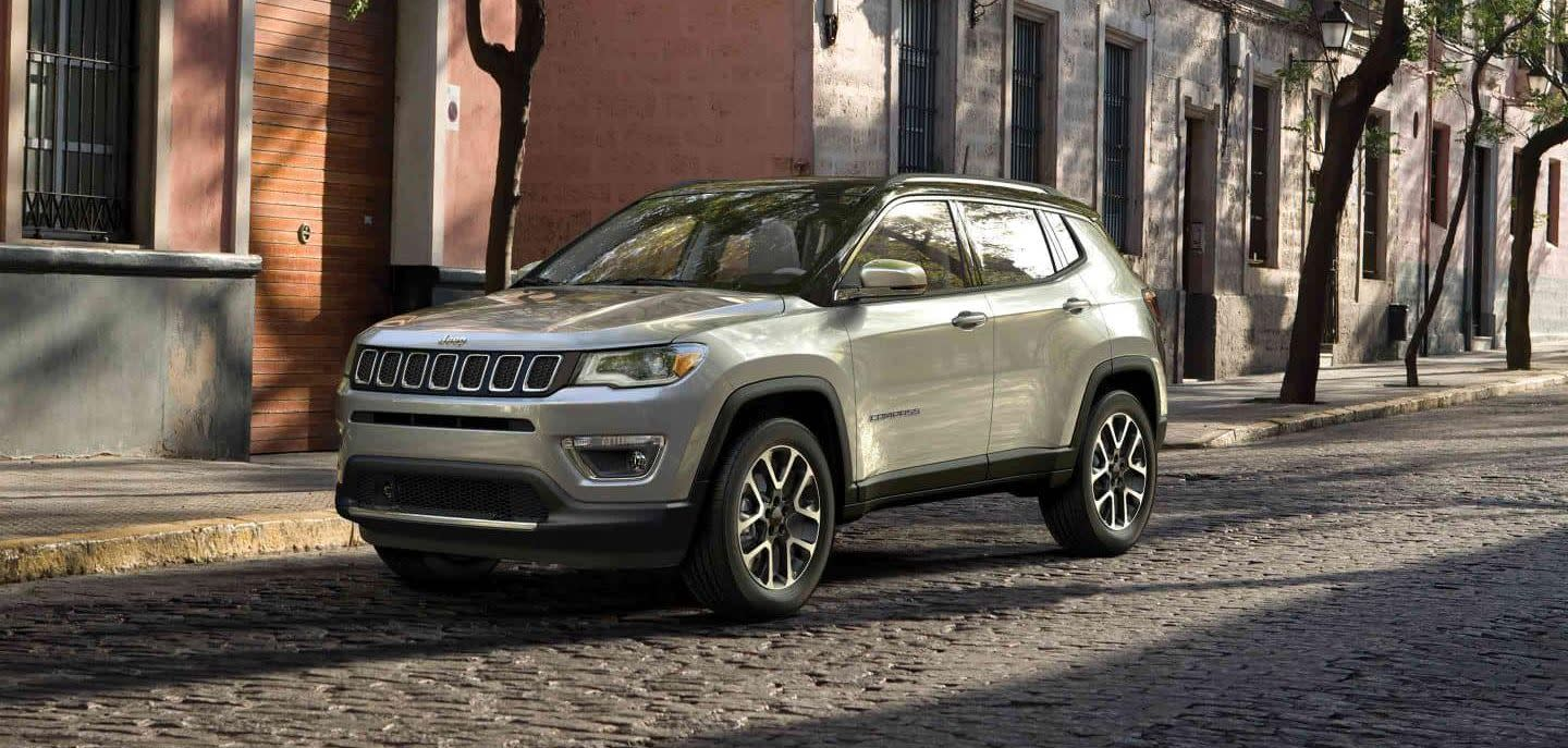 2019 Jeep Compass vs 2019 Toyota RAV4 in Englewood Cliffs, NJ