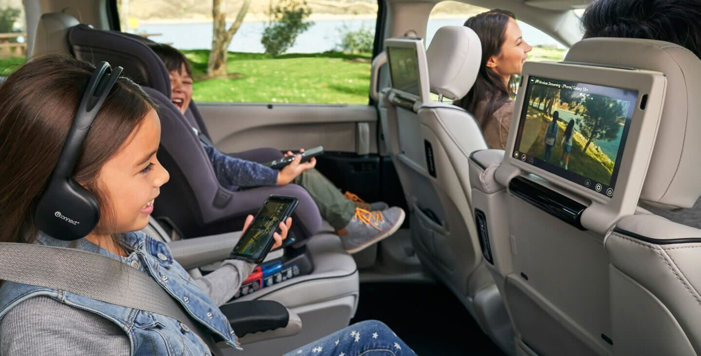 2020 Pacifica Rear Seat Entertainment
