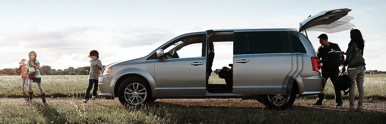 2020 Dodge Grand Caravan Lease in Chicago, IL