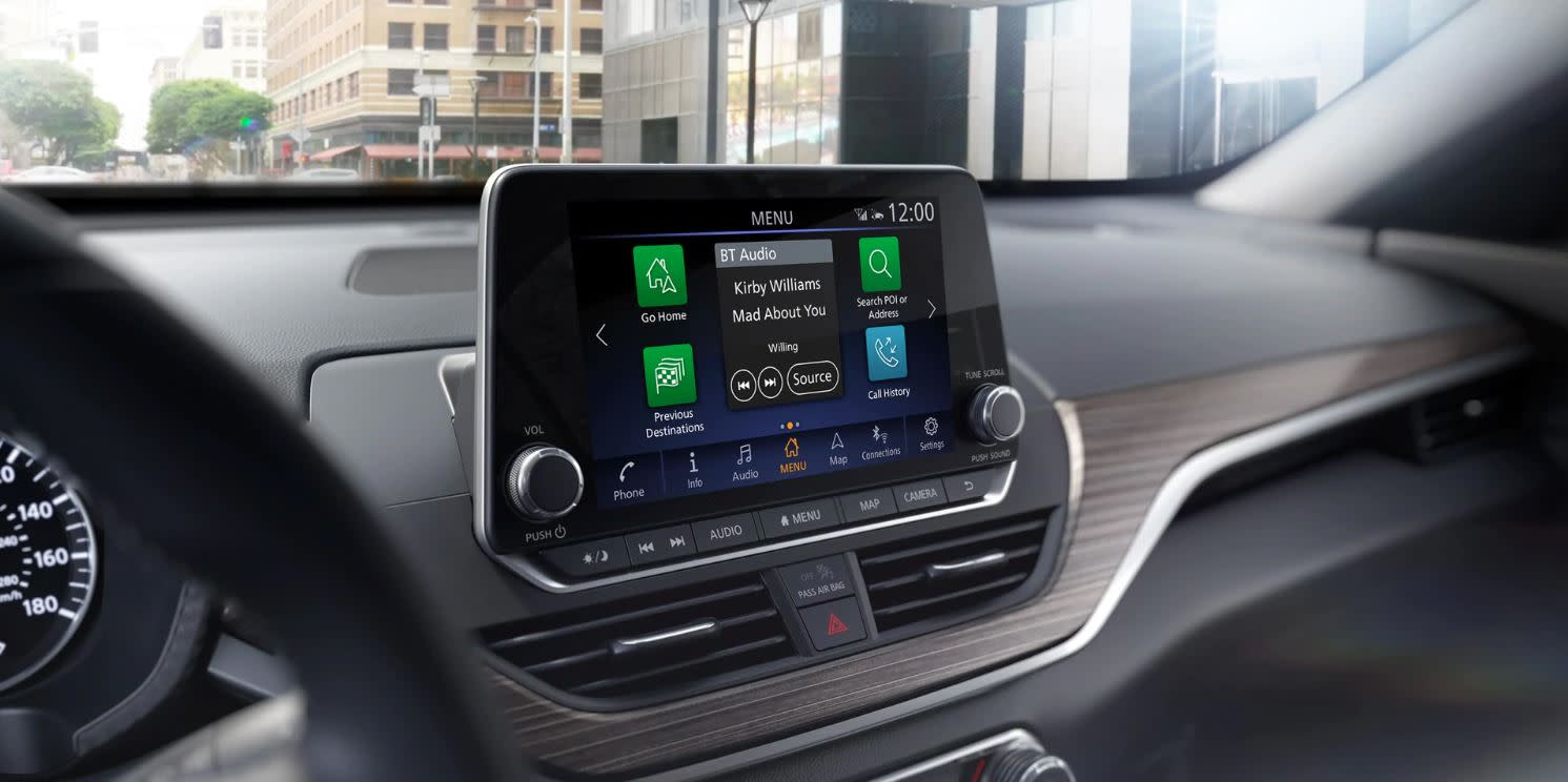 Touchscreen in the 2020 Nissan Altima