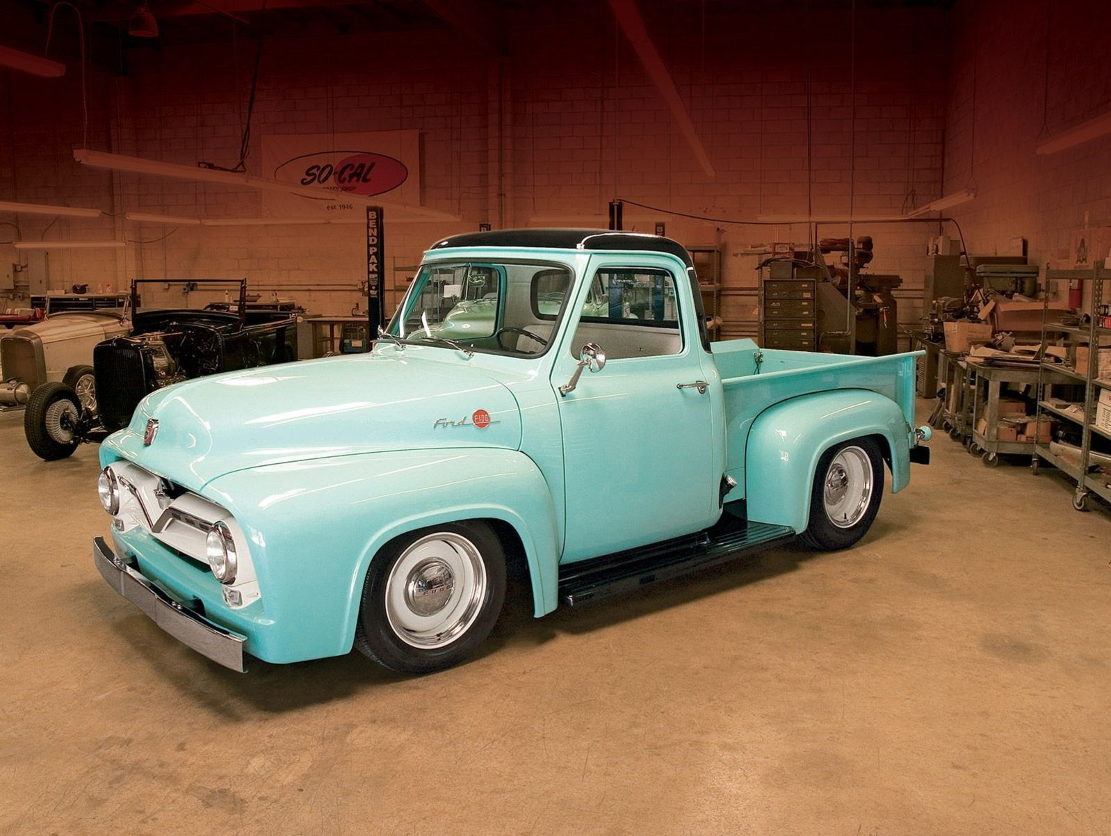 America's Best-Selling Truck Ford F-100//F-150 Pickup 1953 to 1996