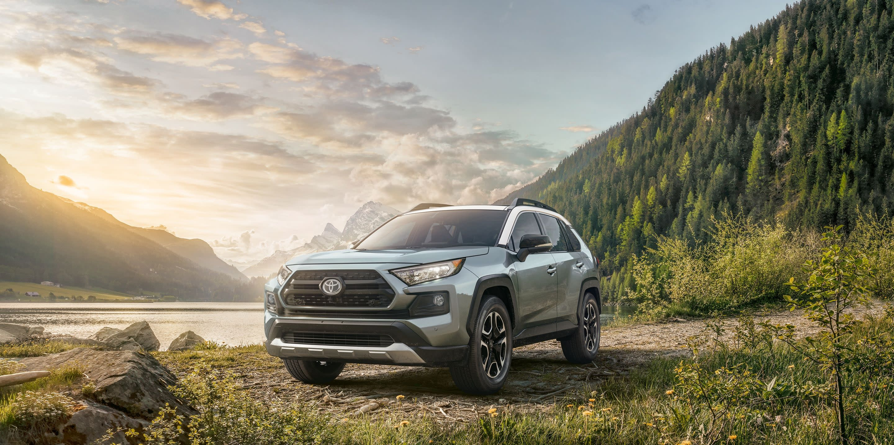 2019 Toyota RAV4 vs 2019 Chevrolet Equinox in Newark, DE