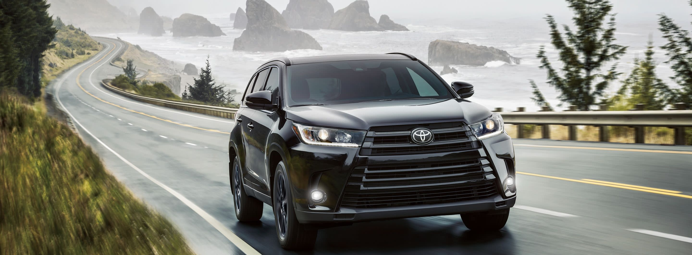 2019 Toyota Highlander vs 2019 Ford Escape in New Castle, DE