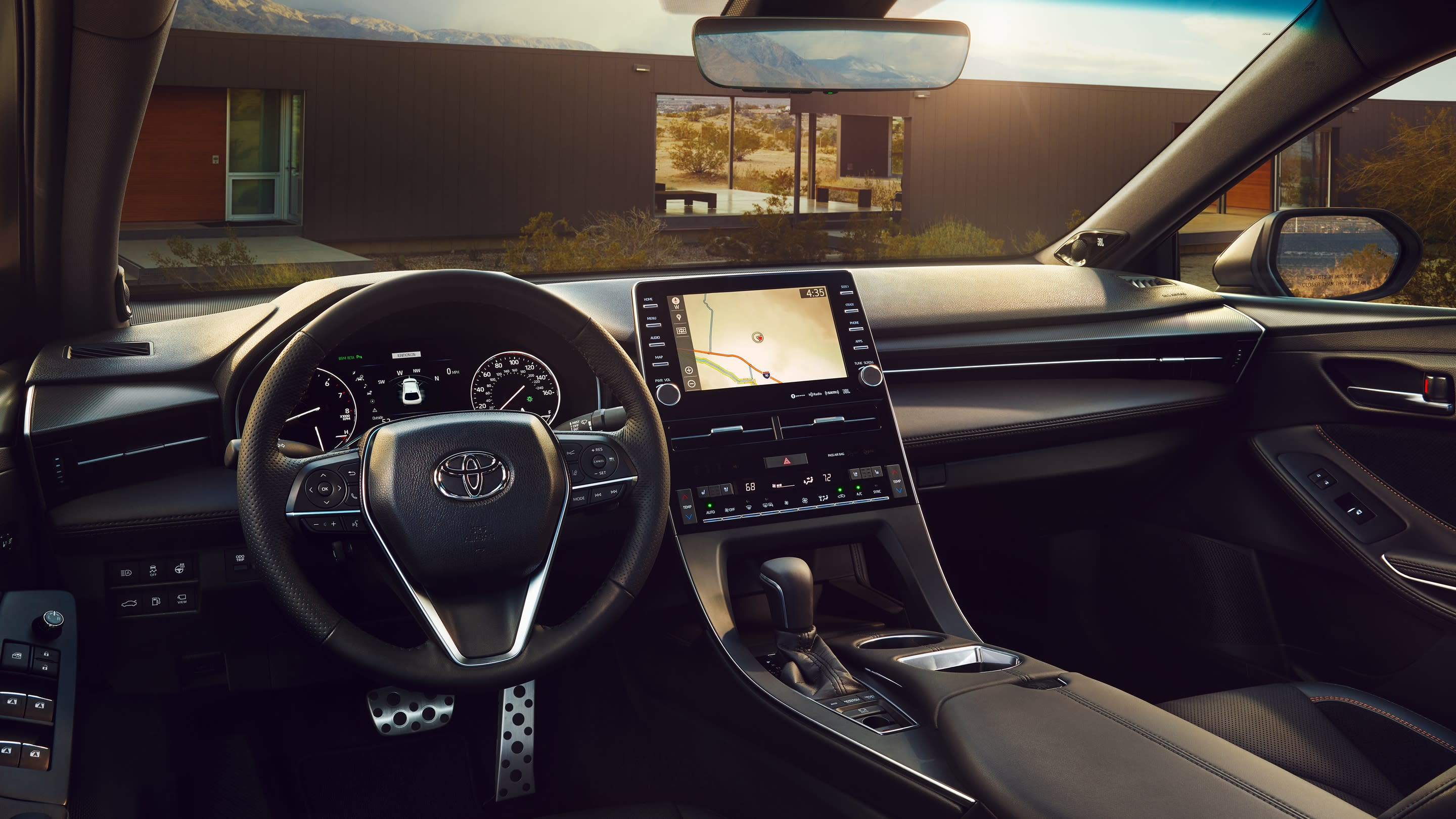 Interior of the 2019 Toyota Avalon