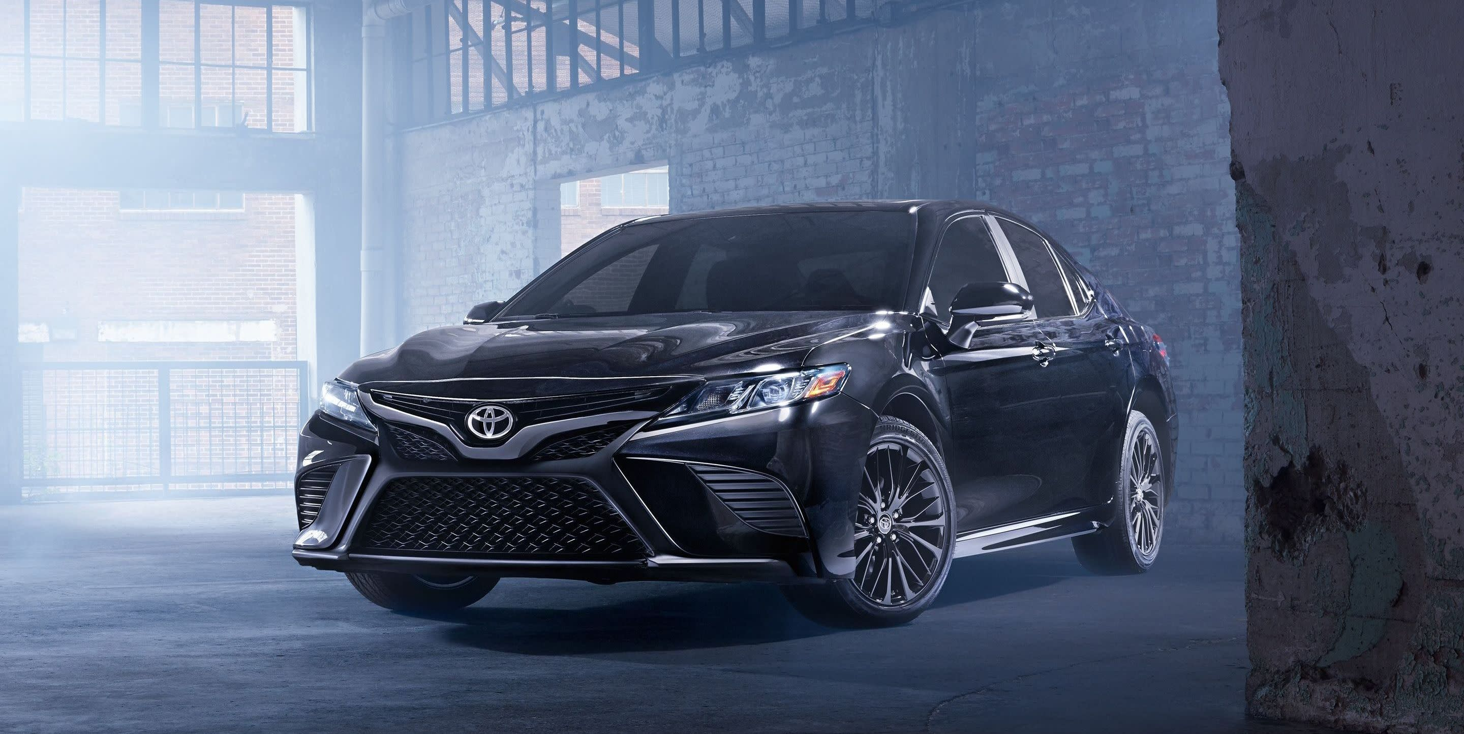 2019 Toyota Camry vs 2019 Chevrolet Malibu near Queens, NY