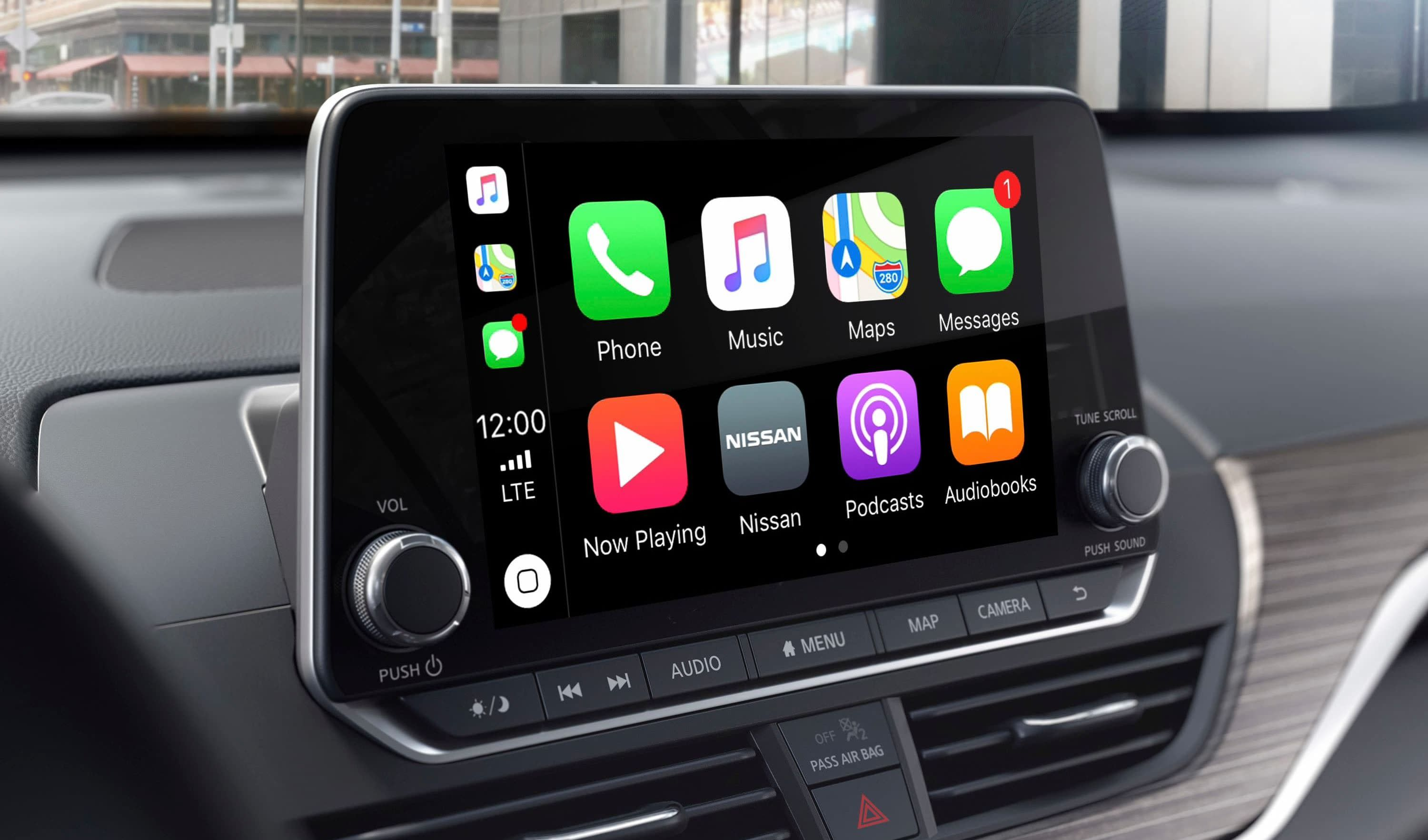 Touchscreen Display in the 2019 Nissan Altima
