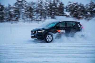 Ice Drive Experience 2020 Driften op de ijsbaan