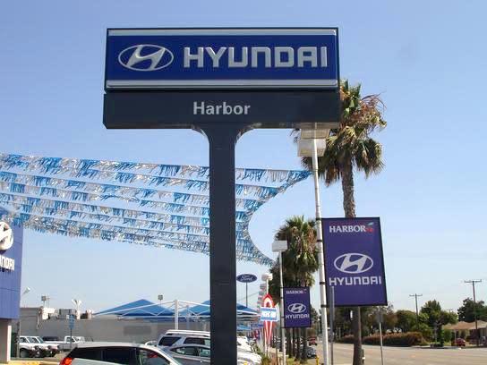 Harbor Hyundai Street Sign
