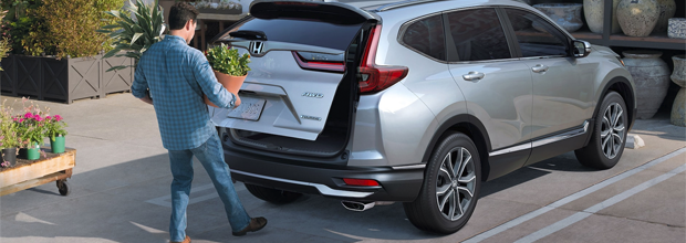 Hands-Free Access Power Liftgate