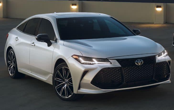 2019 Toyota Avalon Hybrid for Sale near Merriam, KS