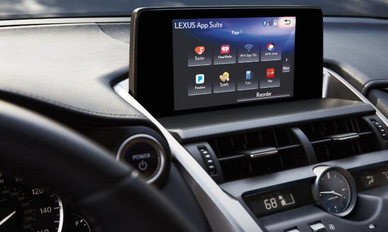 Lexus NX 300 touchscreen